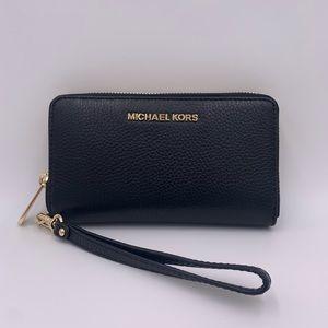 Michael Kors Wallet/ Wristlet/ Phone case